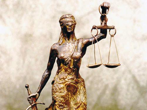 Persbericht 21 maart 2017: Vrouwe Justitia hoort blind te zijn